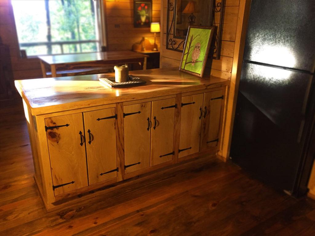 cabin_kitchen_1